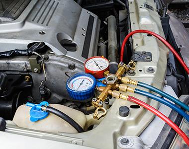 Filling Air Conditioning Liquid